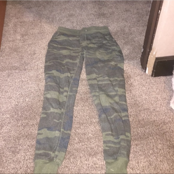 Pants - Camo sweat pants